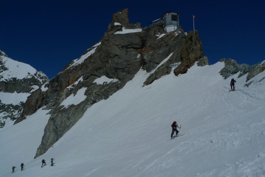 Ski touring with chamonix mountain guide from mountain for Haute route chamonix zermatt